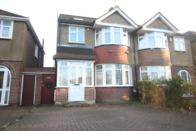 Thumbnail Maisonette to rent in North Approach, Watford