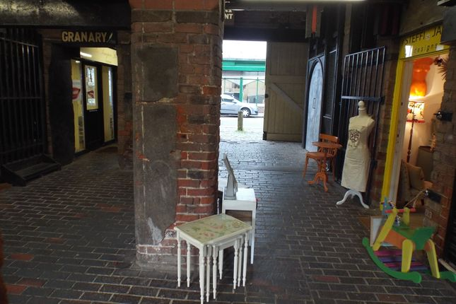 Retail premises to let in Unit 1 & 2, Haven Mill, Garth Lane, Grimsby