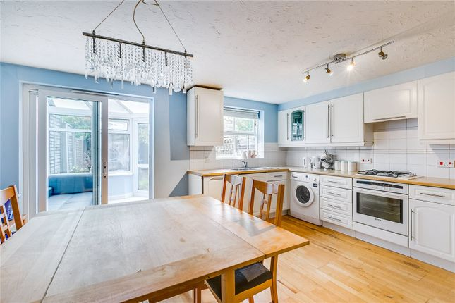 Kitchen/Dinner of Massingberd Way, London SW17