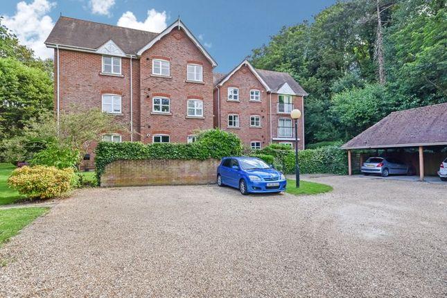 Thumbnail Flat to rent in Bridge Street, Wickham, Fareham