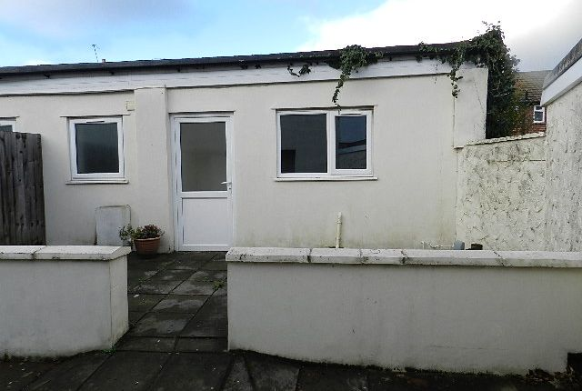 Thumbnail Bungalow to rent in Lily Street, Roath