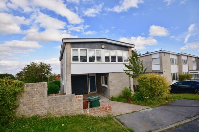 Thumbnail Detached house to rent in Limes Avenue, Staincross, Barnsley