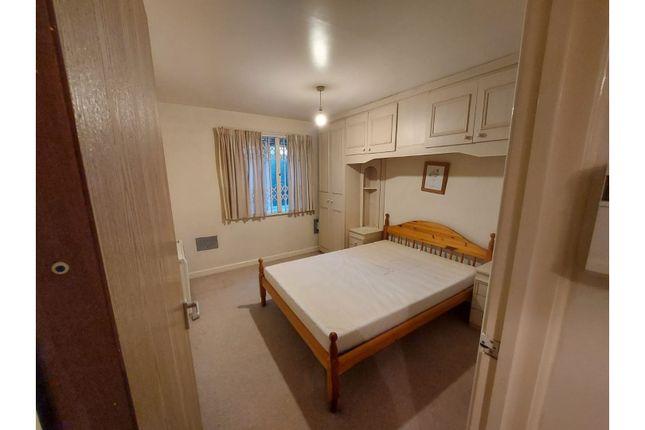 Bedroom of Headford Gardens, Sheffield S3