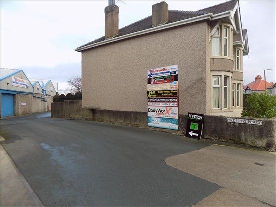Thornton Road Entry