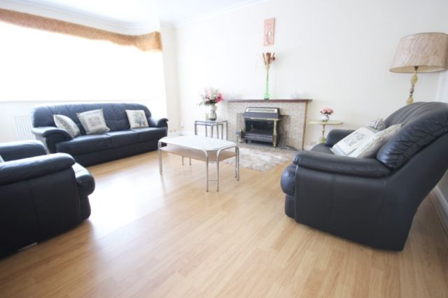 Thumbnail Detached house to rent in Corringway, Ealing, London