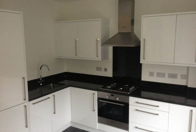 2 bed flat to rent in Parkview Road  Finchley Central  London2 bed flat to rent in Parkview Road  Finchley Central  London N3  . 2 Bedroom Flats For Rent In Central London. Home Design Ideas
