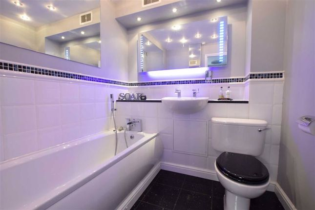 Bathroom of Bell-Reeves Close, Stanford-Le-Hope, Essex SS17