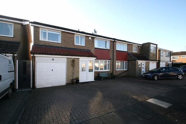 4 bed property for sale in Grantham Place, Cramlington NE23