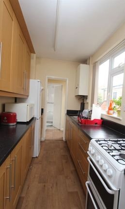 Thumbnail Terraced house to rent in Bulwer Road, Clarendon Park, Leicester
