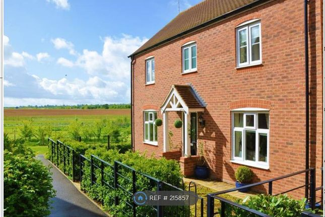 Thumbnail Detached house to rent in Plough Way, Hampshire