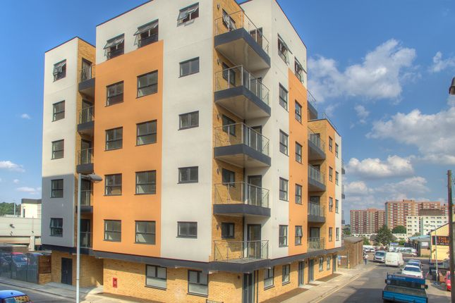 Thumbnail Flat for sale in Union Street, Luton
