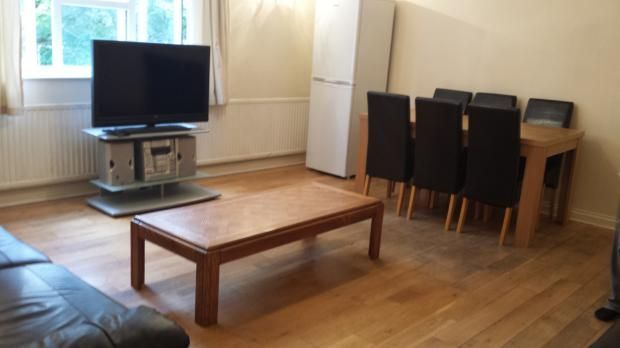 Thumbnail Flat to rent in Upstairs -, Queen Street, Bedford, Bedfordshire
