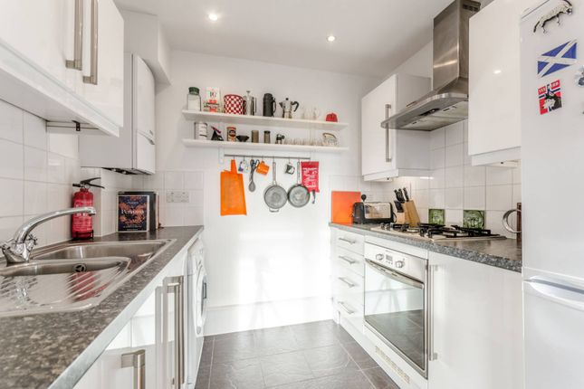 Thumbnail Flat to rent in De Beauvoir Crescent, De Beauvoir Town