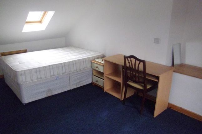Thumbnail Shared accommodation to rent in 59 Gwydr Crescent, Swansea