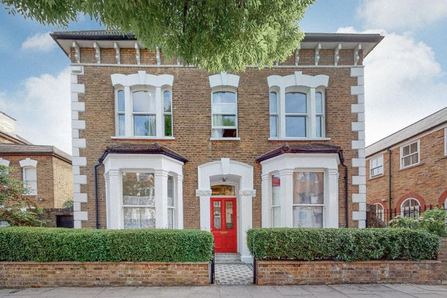 Thumbnail Flat for sale in Finsbury Park Road, London