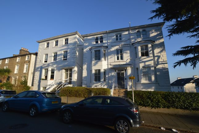 Flat to rent in Cintra Park, Upper Norwood