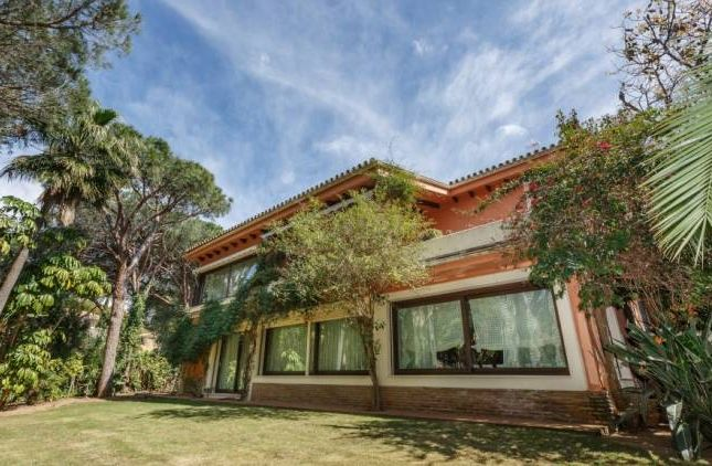 Thumbnail Villa for sale in Calahonda, Sitio De Calahonda, Andalucia, Spain