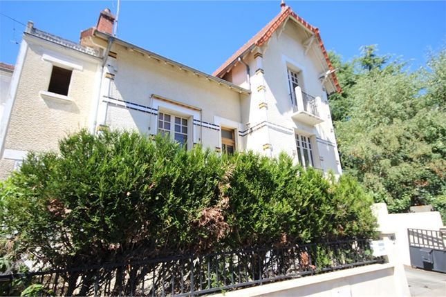 2 bed property for sale in Auvergne, Allier, Montlucon