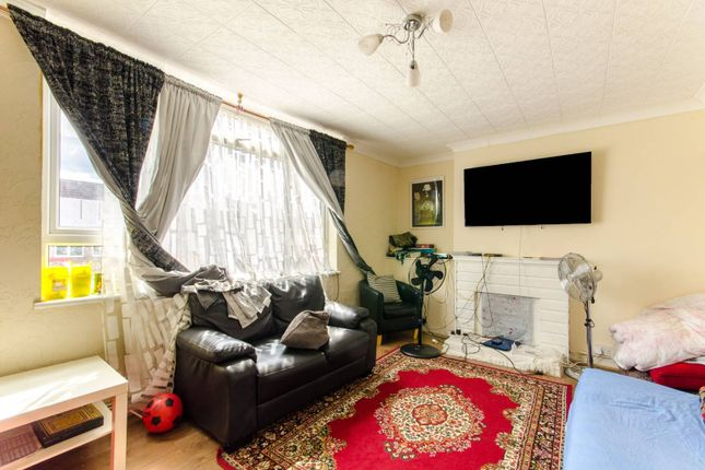 Thumbnail Flat for sale in Old Church Road, Chingford, London