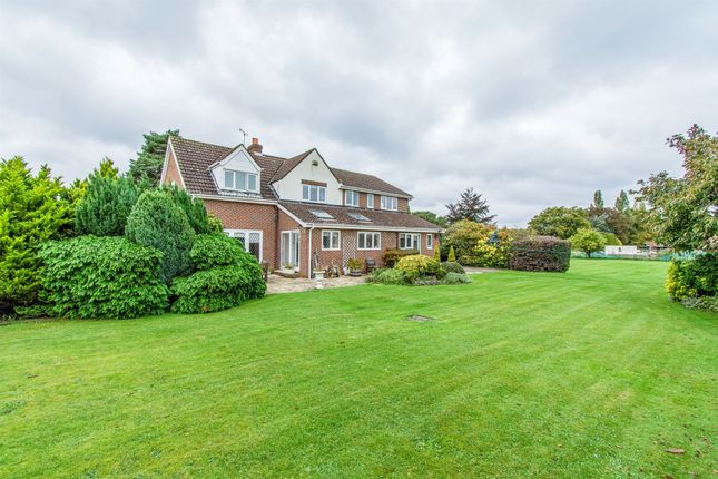 Thumbnail Detached house for sale in Great North Road, Bawtry, Doncaster