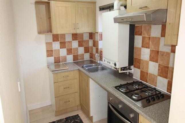 Thumbnail Flat to rent in Ballfield Lane, Kexborough, Darton