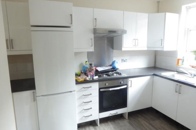 Thumbnail Property to rent in Broughton Avenue, Harehills