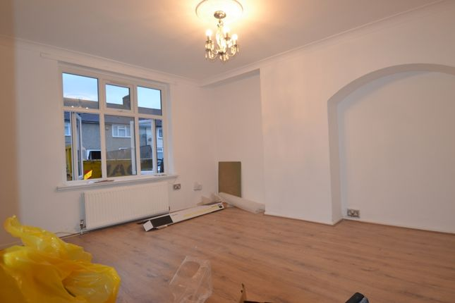 Thumbnail Terraced house to rent in Cornshaw Road, Chadwell Health