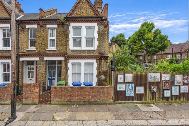 2 bed flat for sale in Aylesbury Road, London SE17