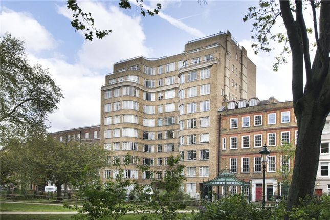 Studio for sale in Florin Court, 6-9 Charterhouse Square, London