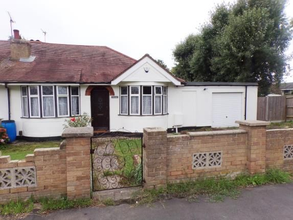 Thumbnail Bungalow for sale in Lee Chapel North, Basildon, Essex
