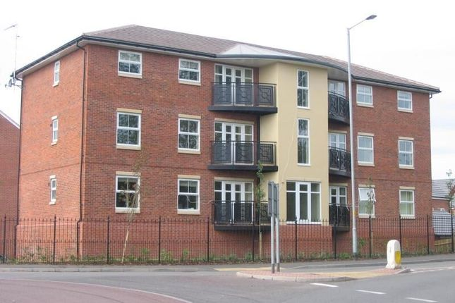 2 bed flat to rent in Netherwich Gardens, Droitwich WR9