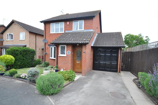 Thumbnail Detached house for sale in Barns Croft Way, Droitwich