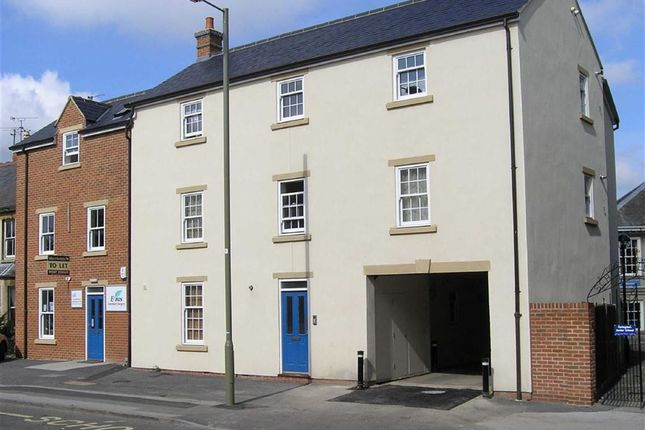 Thumbnail Flat to rent in Beaumont House, Faringdon, Oxon