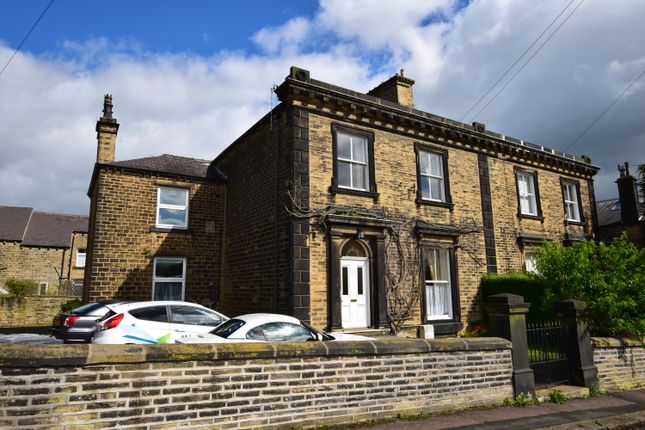 Flat to rent in Victoria Street, Lindley, Huddersfield