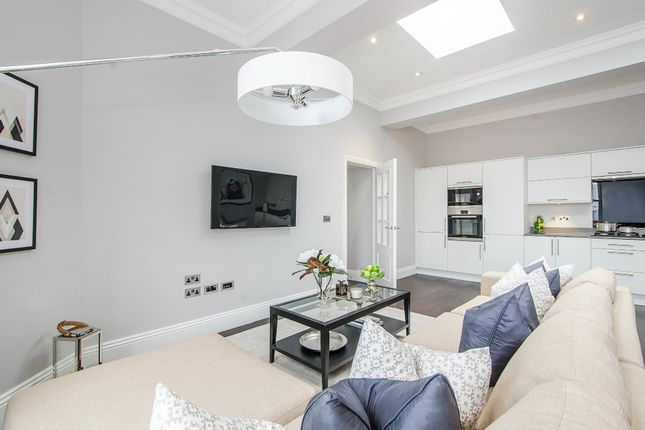 2 bed flat for sale in St. John's Road, London