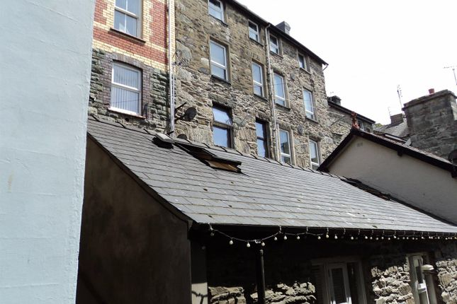 Thumbnail Maisonette for sale in Doctors Buildings, Barmouth, Merionethshire