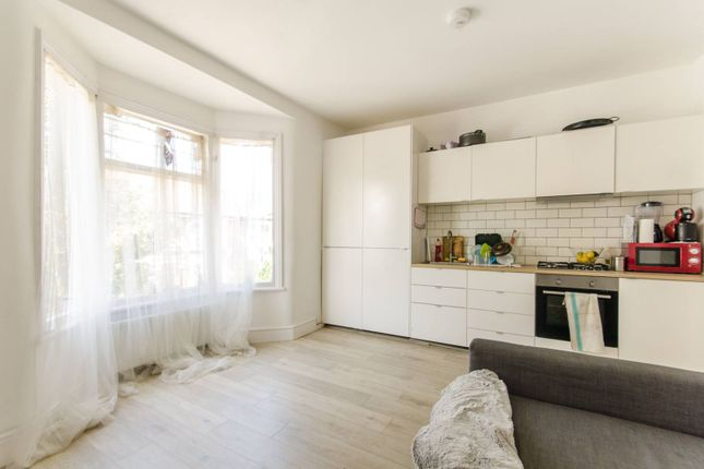 Thumbnail Flat to rent in Leyton Park Road, Leyton