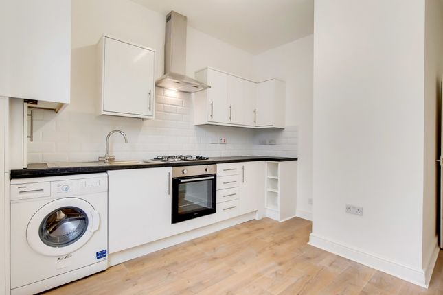 6 bed flat to rent in Brockley Road, Brockley, London SE4