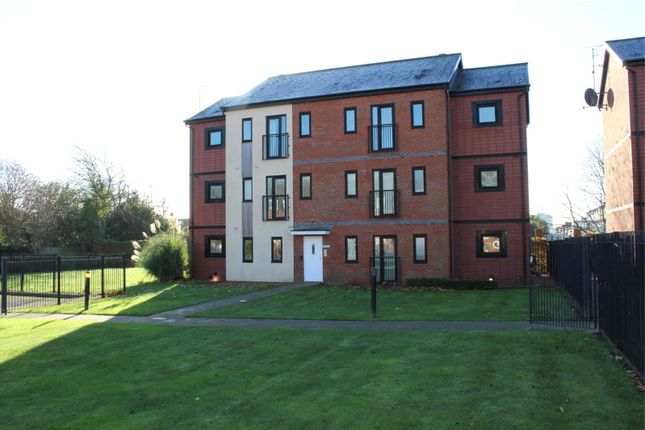 Thumbnail Flat for sale in Deans Gate, Willenhall, West Midlands
