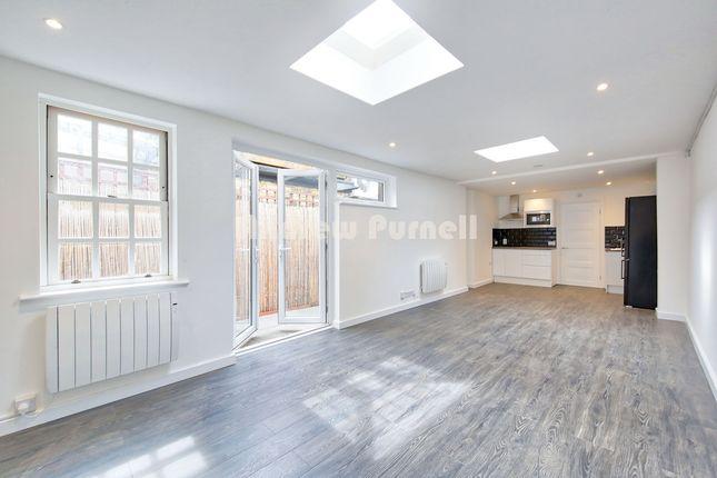 Thumbnail Studio to rent in Dulka Road, London