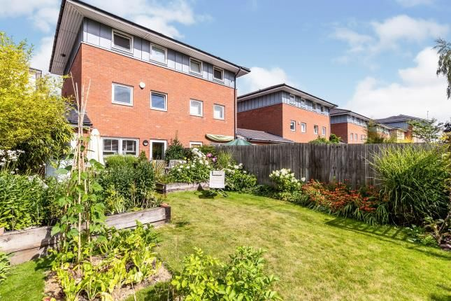 Thumbnail Semi-detached house for sale in Kempton Drive, Warwick