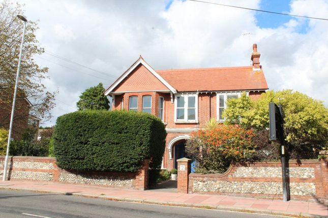 Thumbnail Flat to rent in 2 Mill Road, Worthing, West Sussex