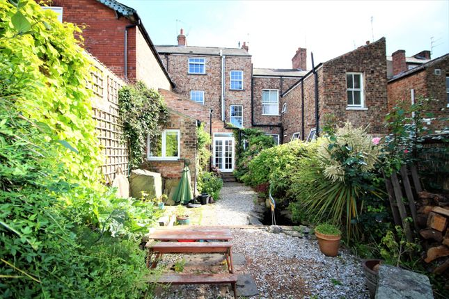 Thumbnail Terraced house for sale in Melbourne Street, York