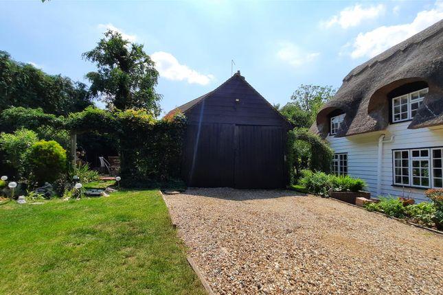 Detached Garage / Barn Outbuilding