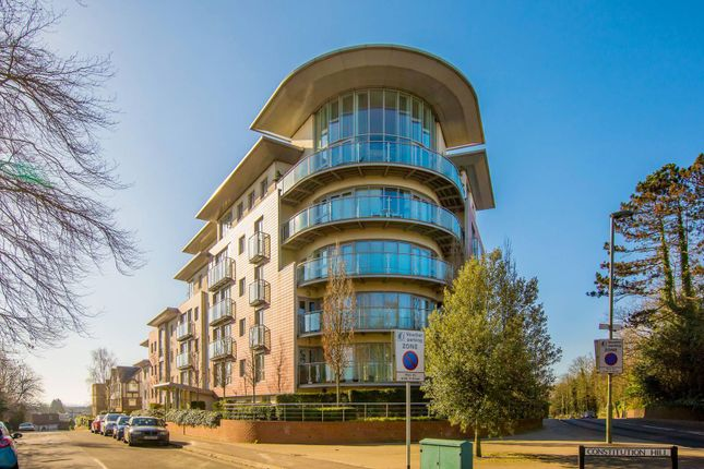 Thumbnail Flat to rent in Constitution Hill, Woking