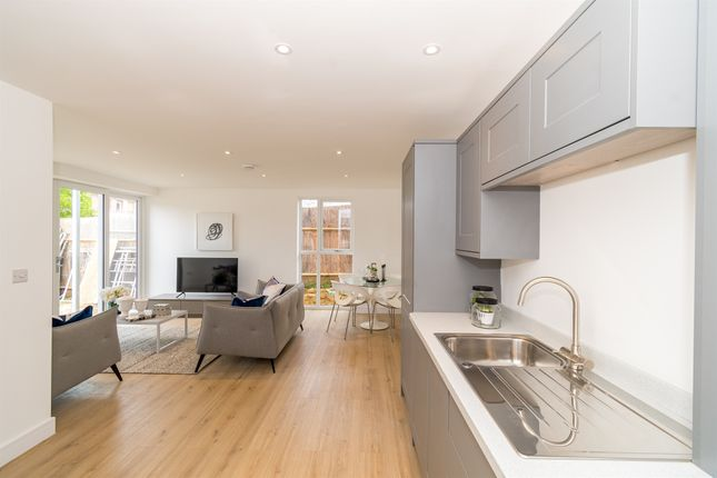 1 bed flat for sale in Forest Centre, Pinehill Road, Bordon GU35