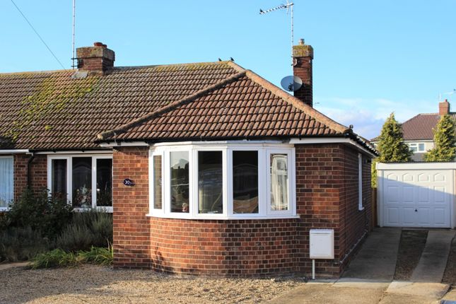 Thumbnail Bungalow to rent in Dove Crescent, Essex