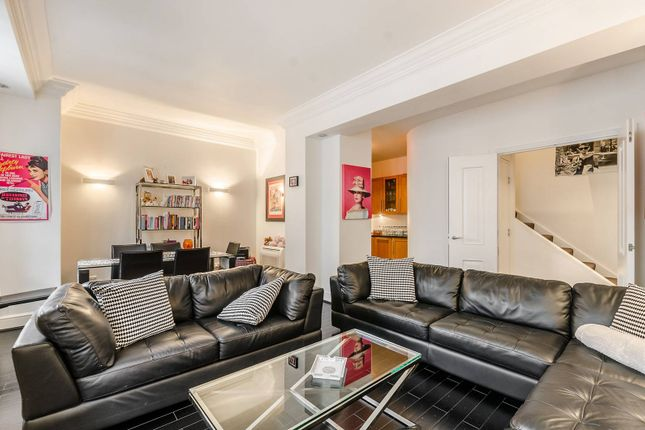 Thumbnail Flat for sale in Spring Gardens, St James's, London