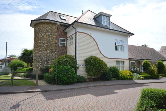 Thumbnail Flat to rent in Pears Grove, Prinsted, West Sussex