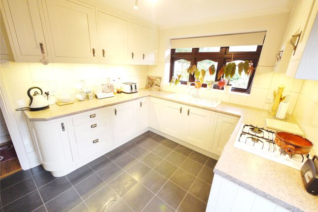 Thumbnail Link-detached house for sale in Tipps Cross Mead, Hook End, Brentwood, Essex